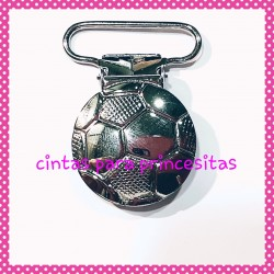 PINZA PARA CHUPETERO FUTBOL RELIEVE COLOR PLATA
